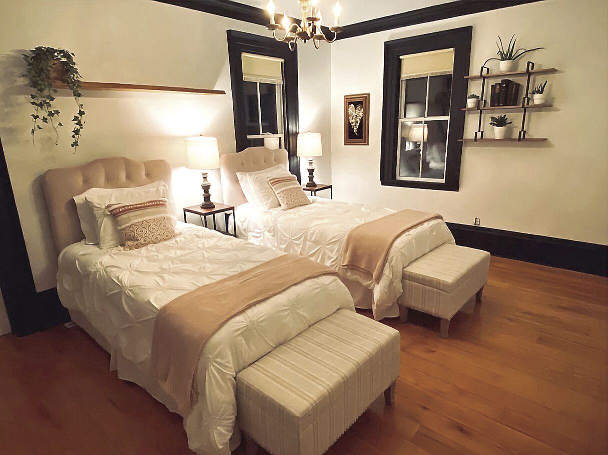 Big Raven Yoga-bedroom