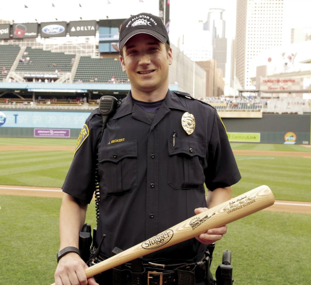 Edina Police Officer Recognized At Twins Game