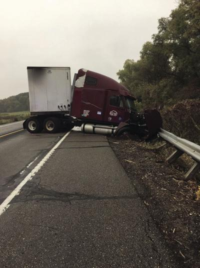 One dead in Highway 12 crash   Maple Plain   hometownsource com