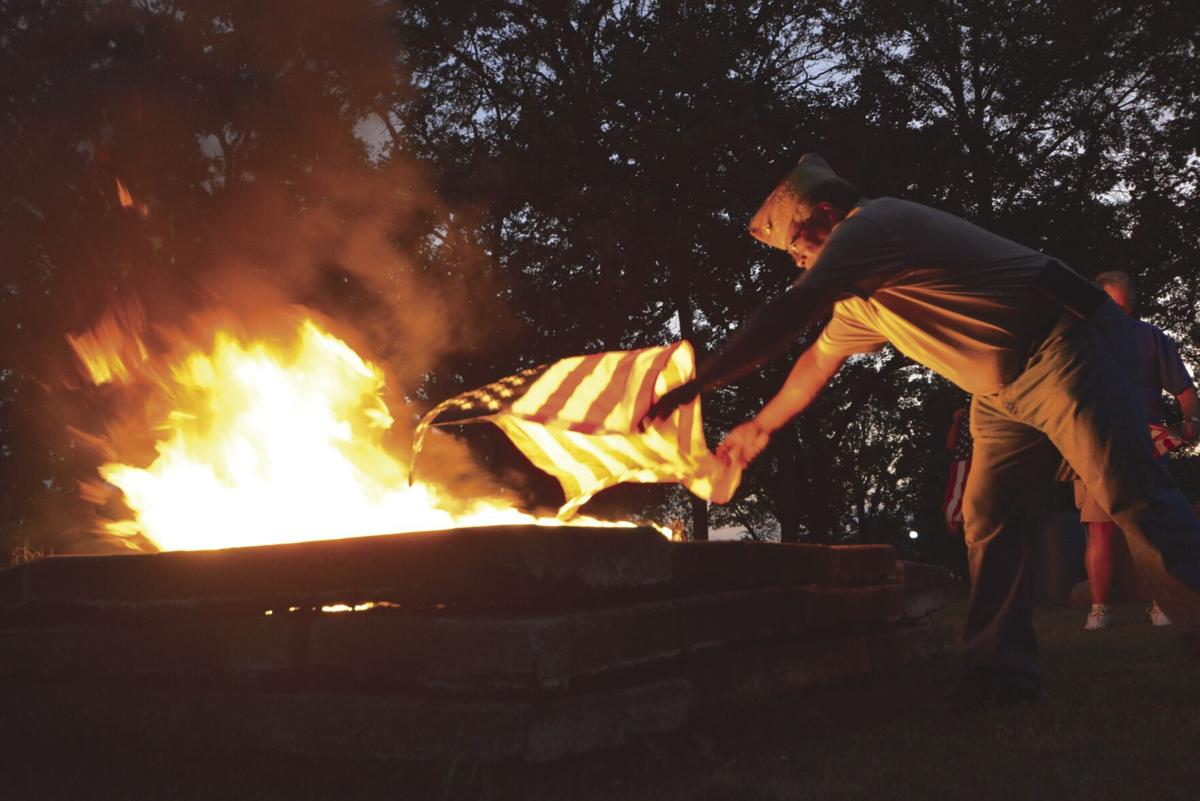 VFW flag retiremen_5.jpg