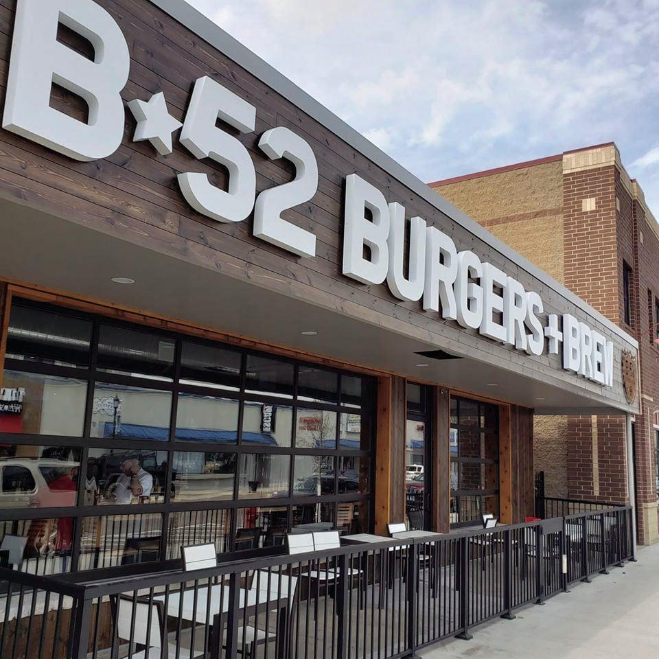 lv b52 burgers.jpg