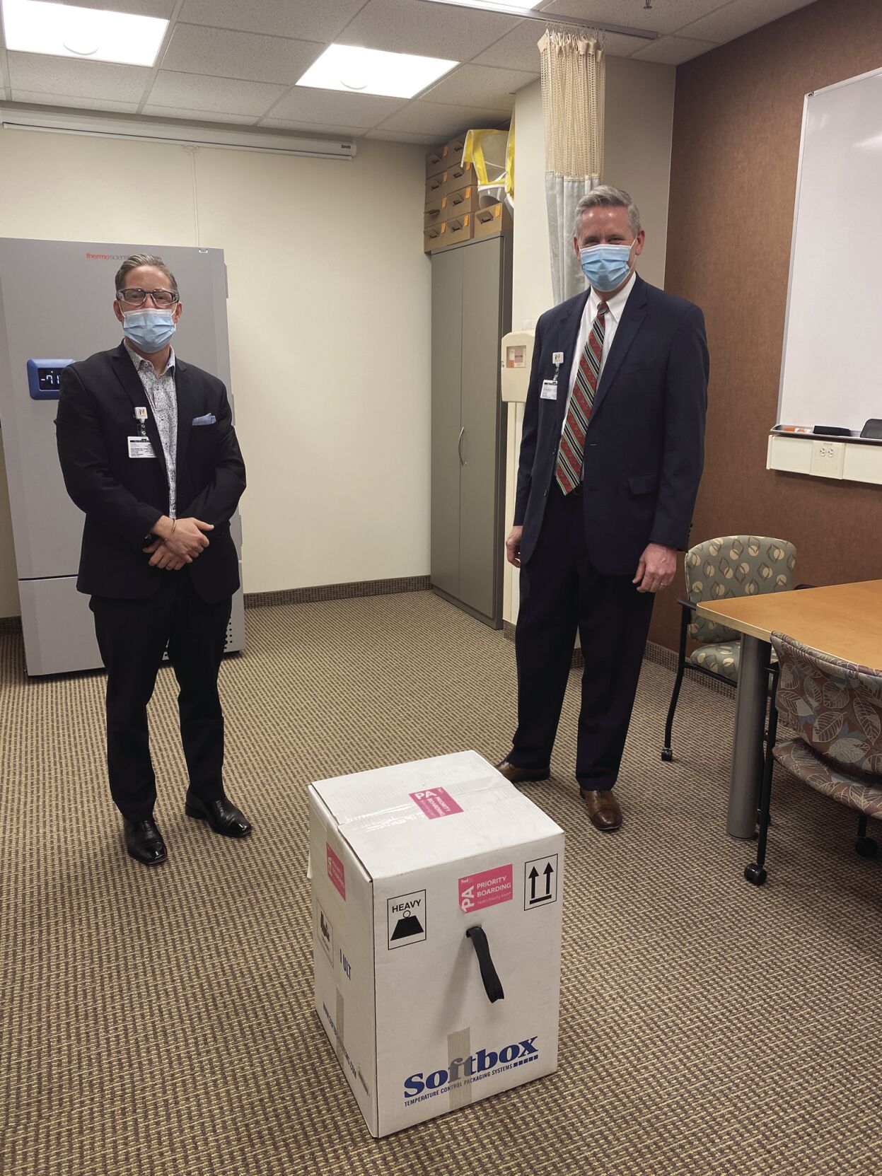 Maple Grove Hospital distributes first COVID-19 vaccines to front line workers