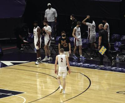 Crimson boys basketball falls to Raiders in state semis