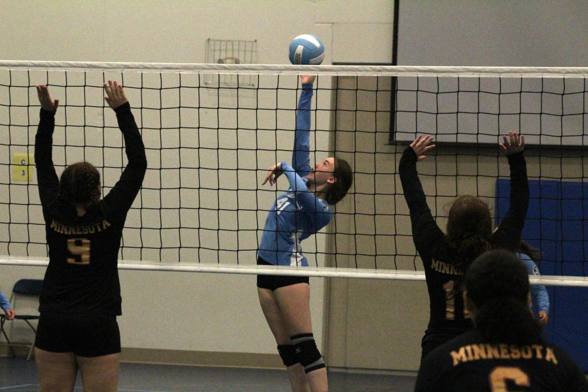 Lila Volleyball Victorious In Varsity Debut Sports Hometownsource Com