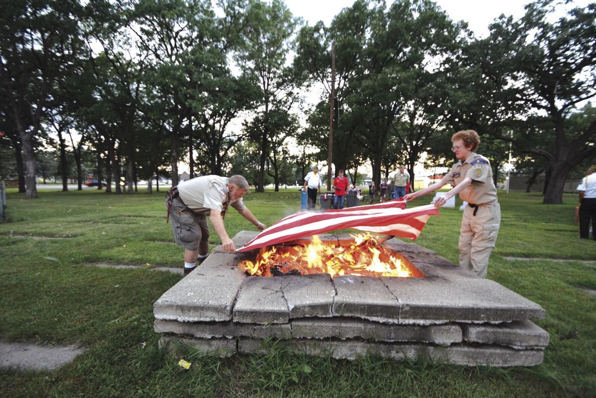 VFW flag retirement_2.jpg