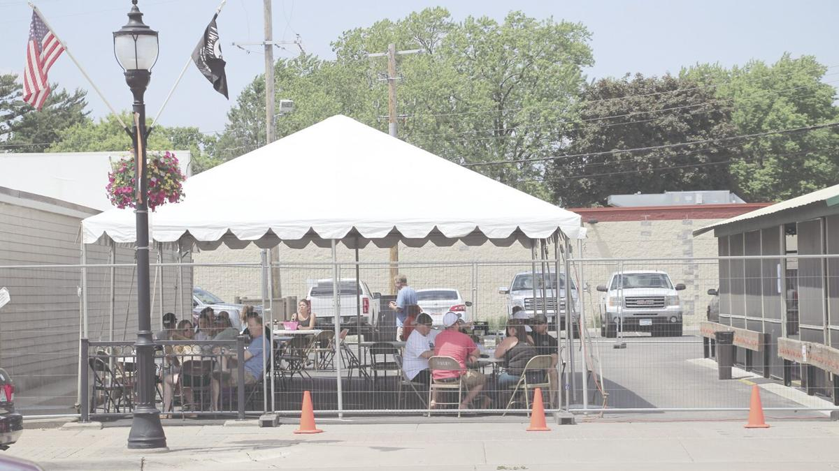 Restaurants, bars now able to offer outdoor dining, with social distancing