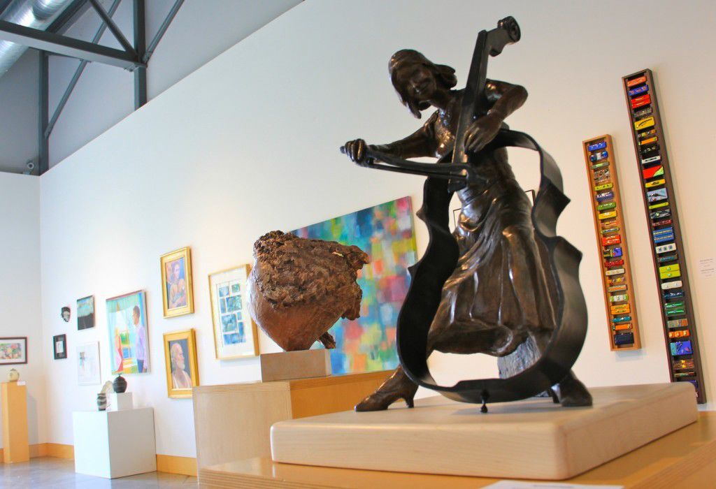 Members' Juried Show opens at Minnetonka Center for the Arts