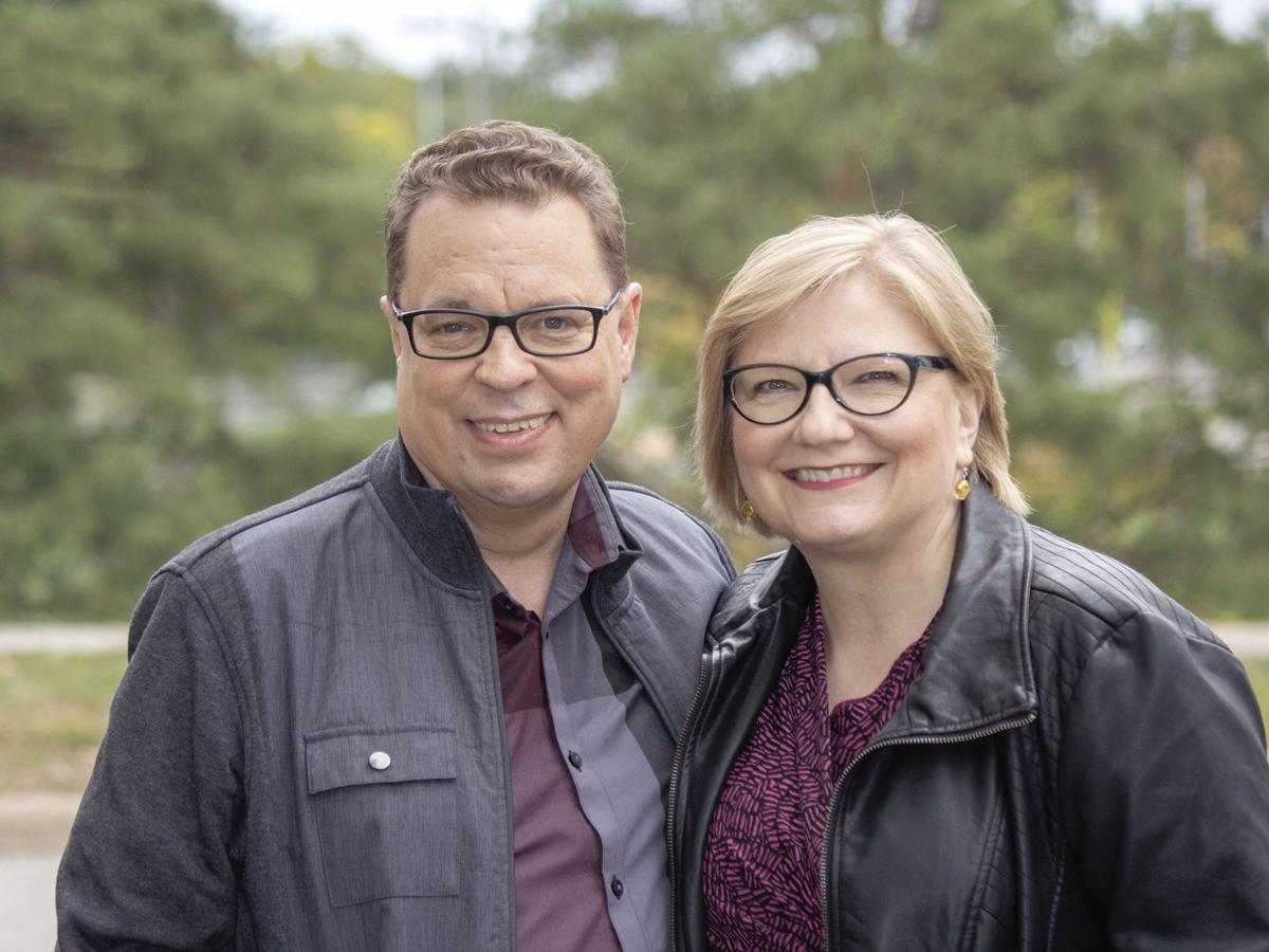 St. Louis Park couple's novel envisions Bram Stoker and Oscar Wilde as vampire hunters - 1