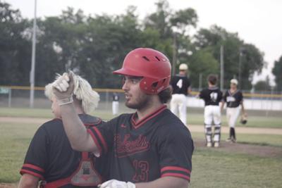 Polecats crush Villains in 7 inning affair