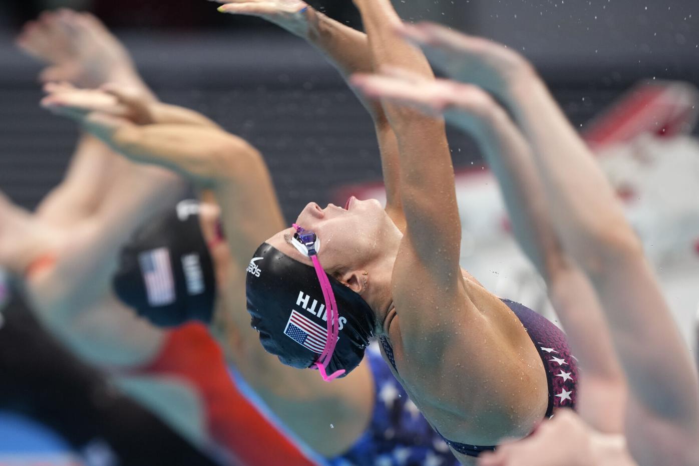 It's bronze for Smith in 100 backstroke