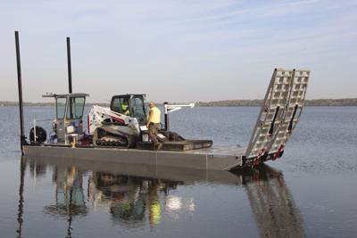 Parks barge 1.JPG