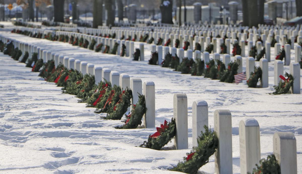 Wreaths Across America CAP 4668.jpg