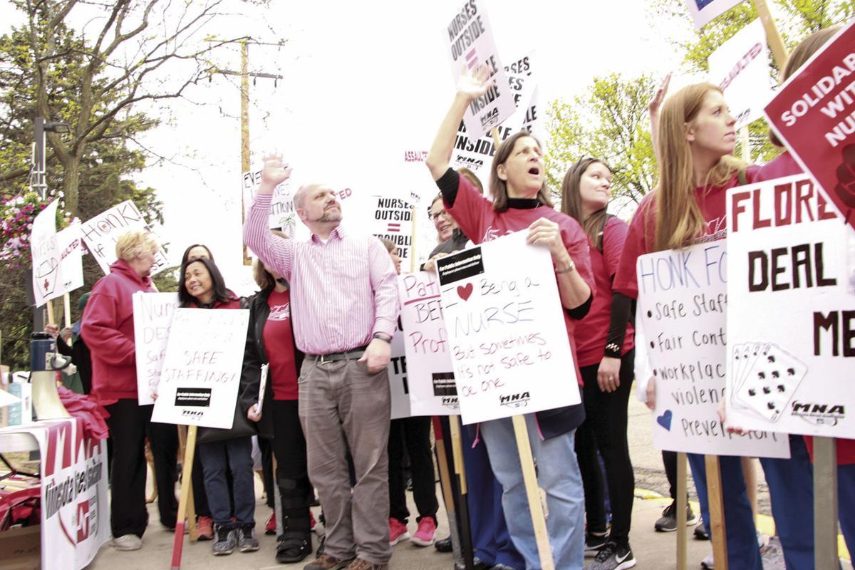 Nurses picket North Memorial amid contract negotiations