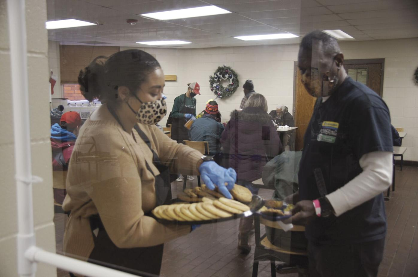 St. Louis Park residents volunteer at Union Gospel Mission Christmas Day - 1