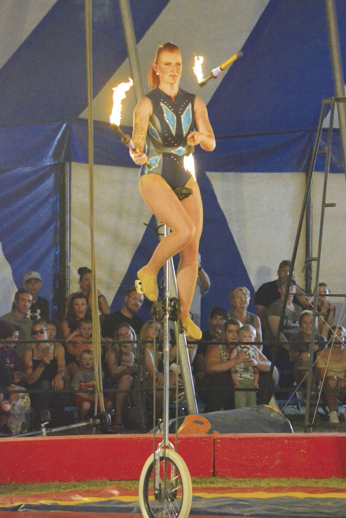 C&M circus_08.jpg