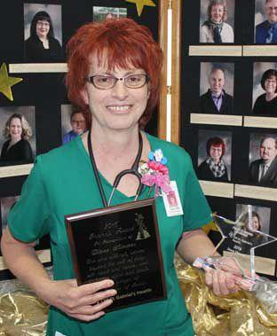 Obstetrics nurse receives Francis Award at CHI St  Gabriel's Health