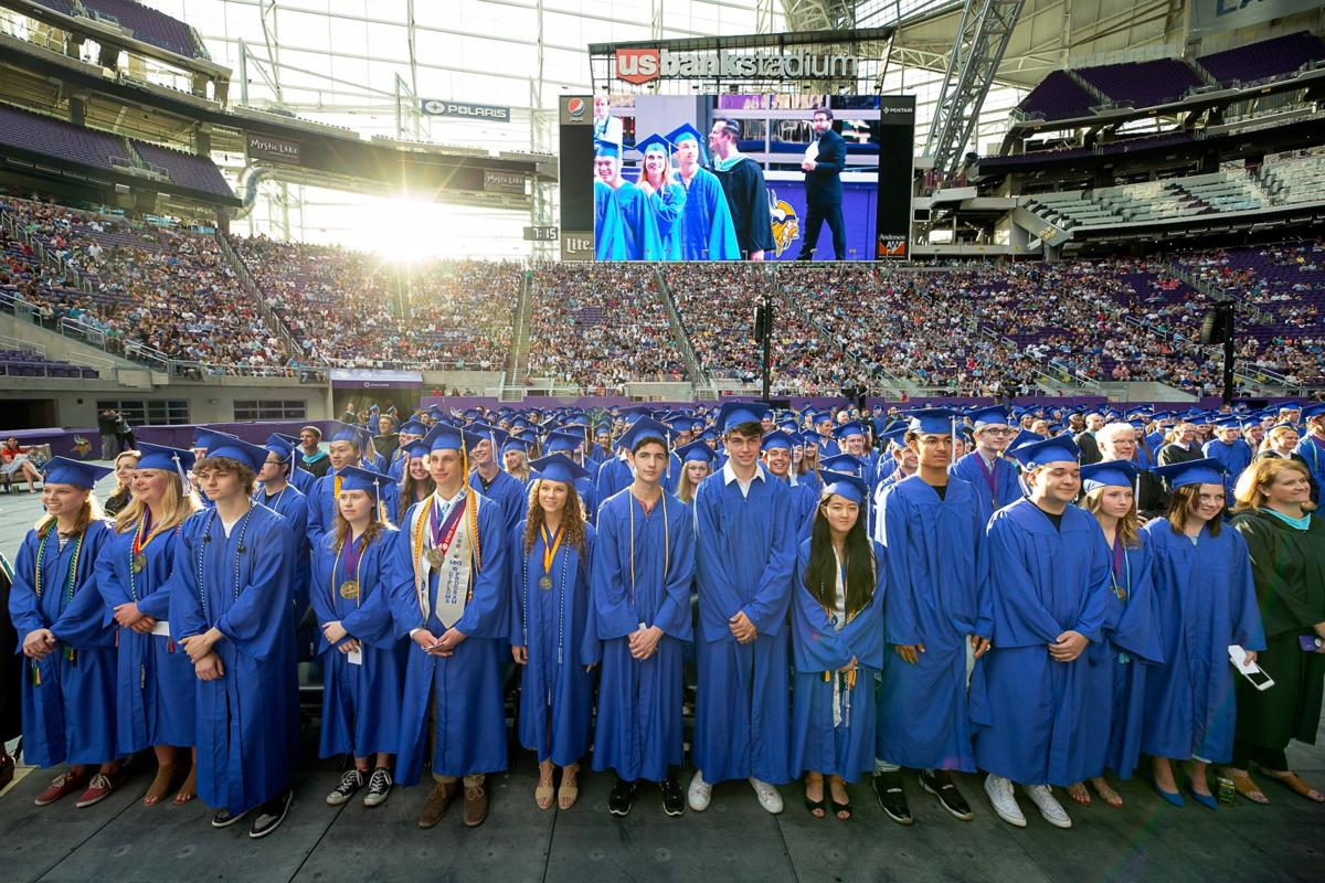a113NW_MHS_CommencementCUT2.jpg