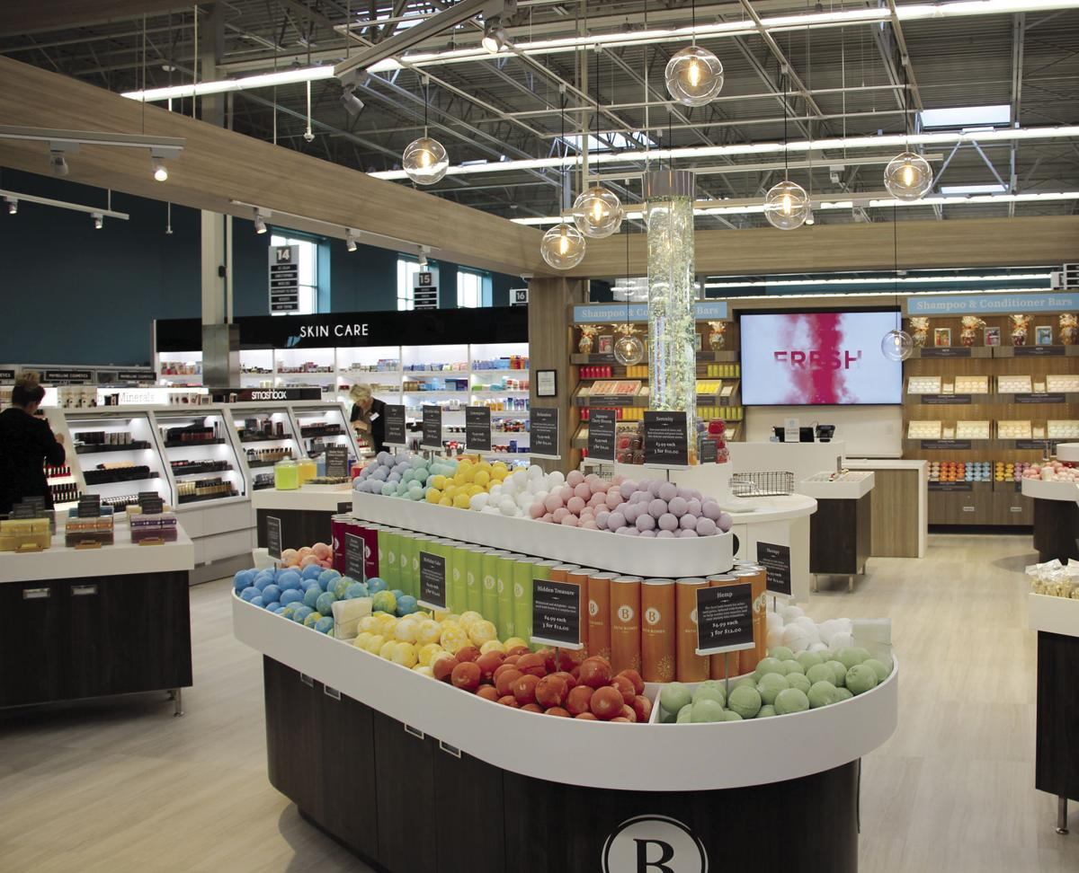 Much-anticipated Maple Grove Hy-Vee officially open