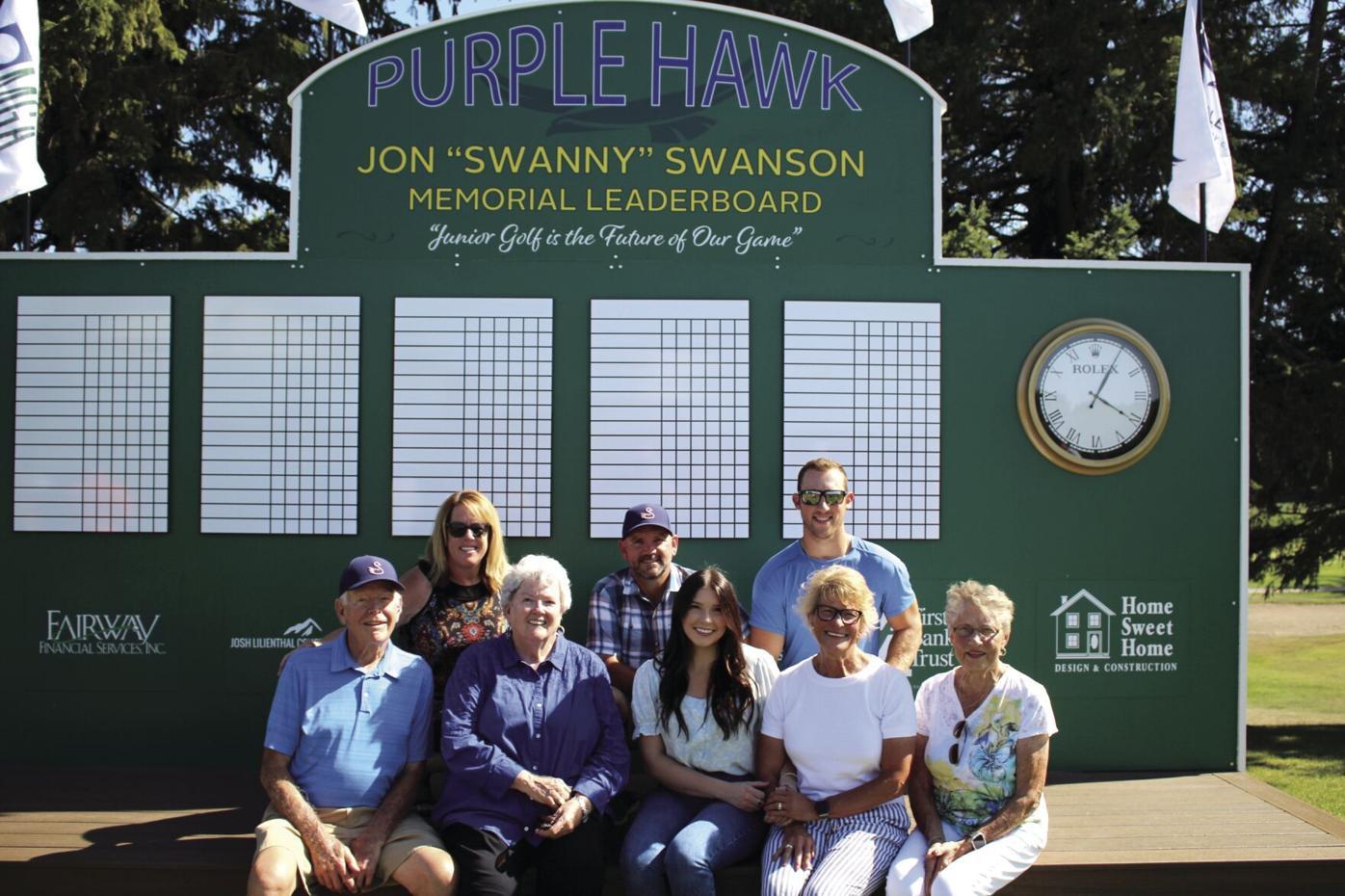 Hawk Family 0819.jpg