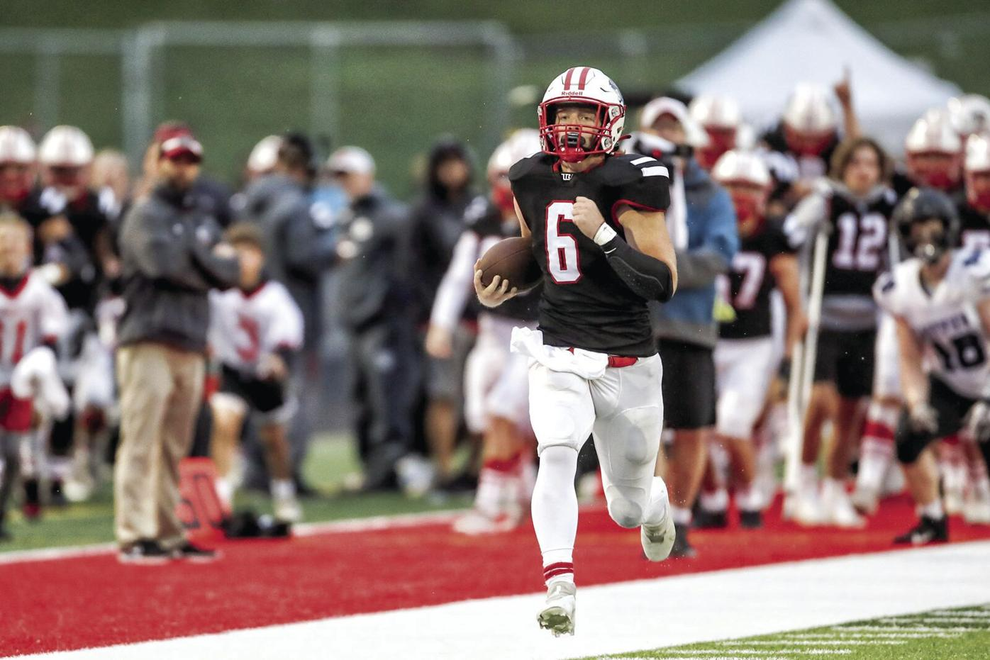 Week 1 football: Gold Division has the edge over Maroon
