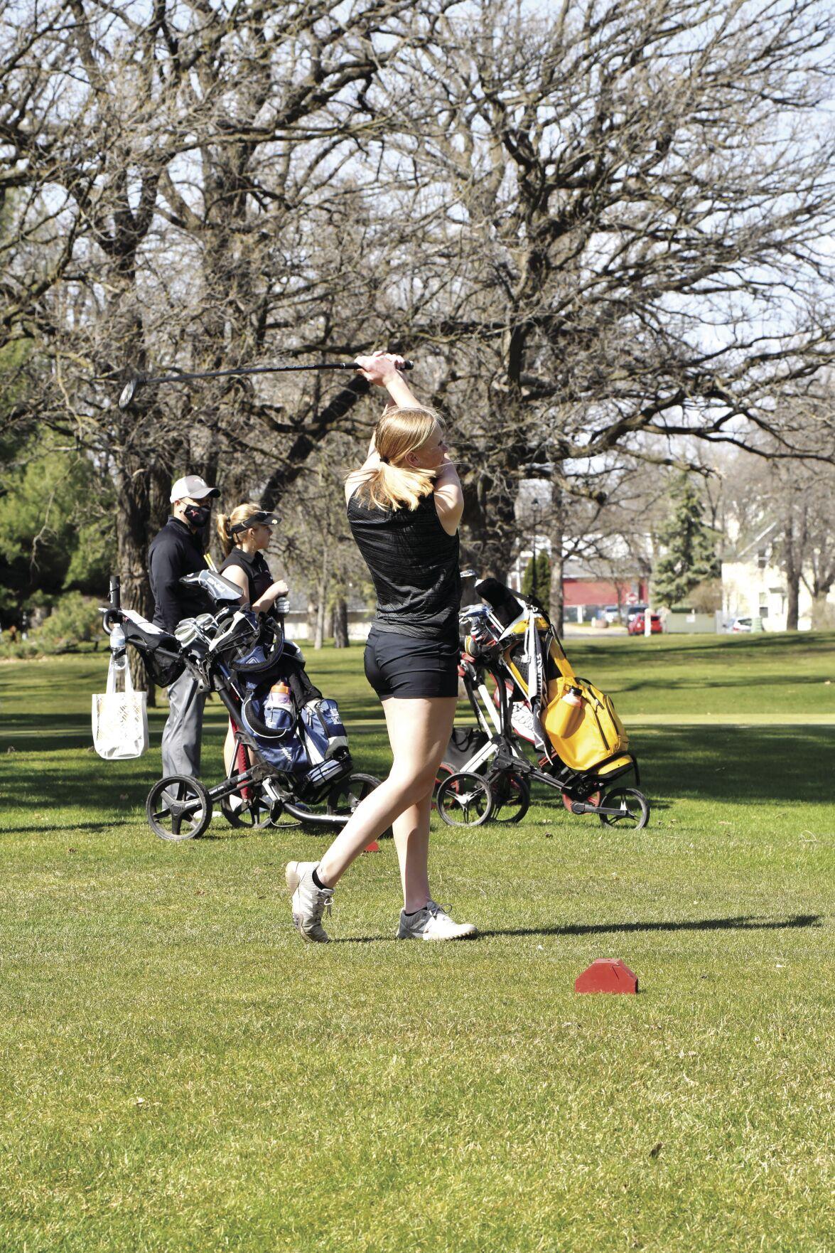 CI Girls Golf 0429.jpg