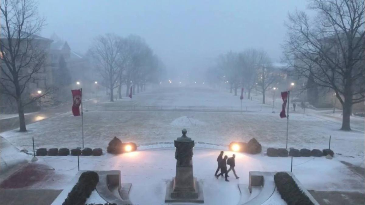 Snow showers on Bascom