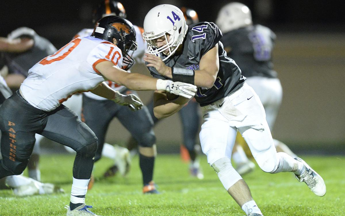 Oregon at Stoughton football photo