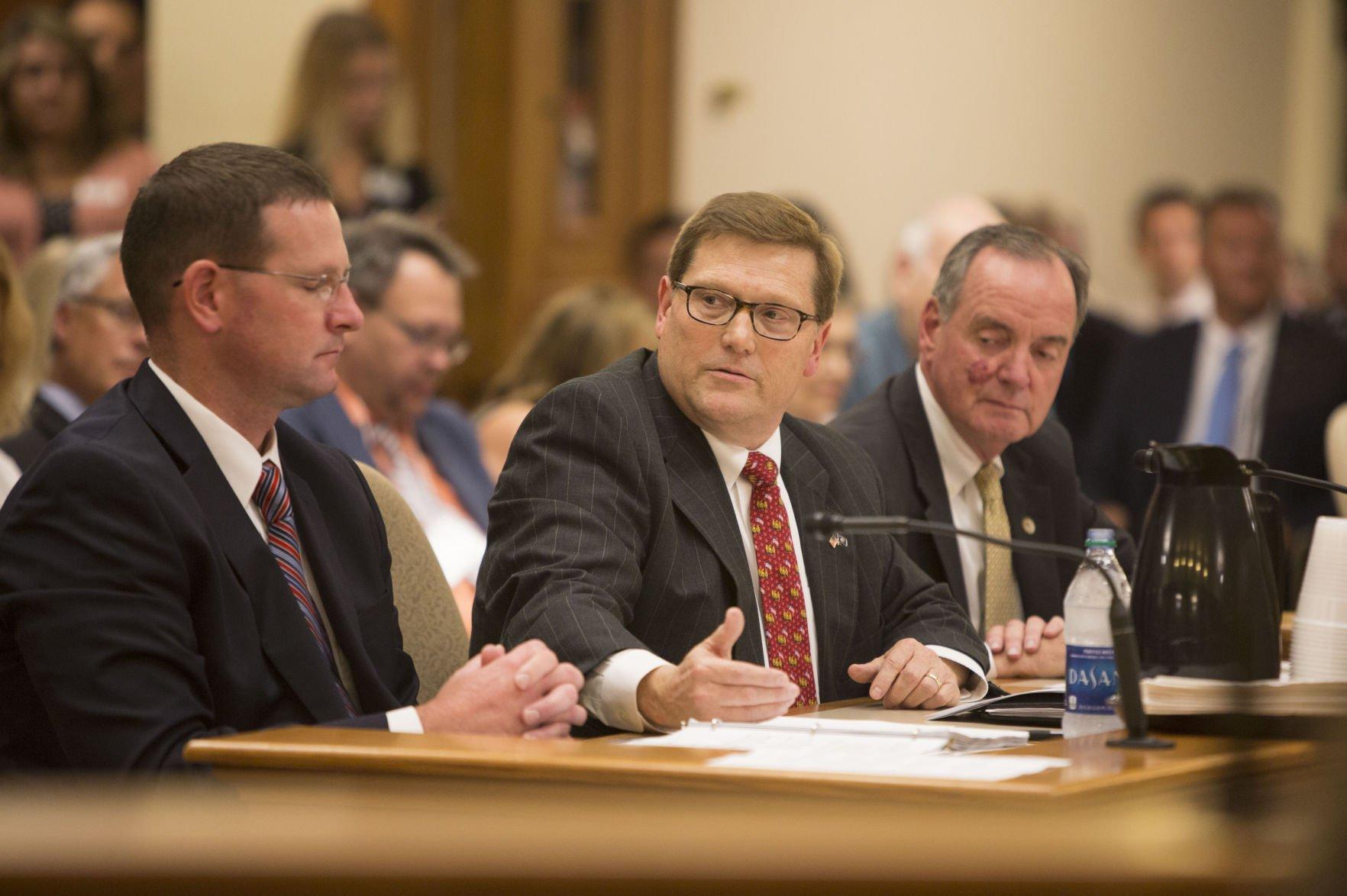 Public hearing on Wisconsin $3B Foxconn tax break bill