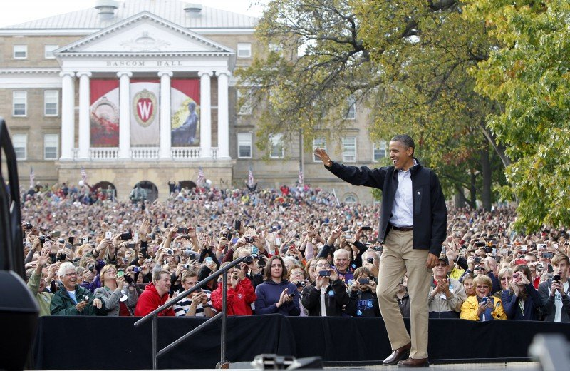 President greets crowd of 30,000