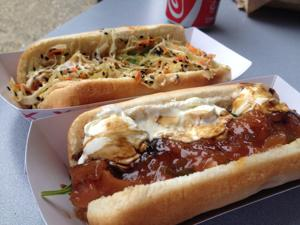Yeah, I Ate That: Peaches 'n' Cream Hot Dog at The Wiener Shop