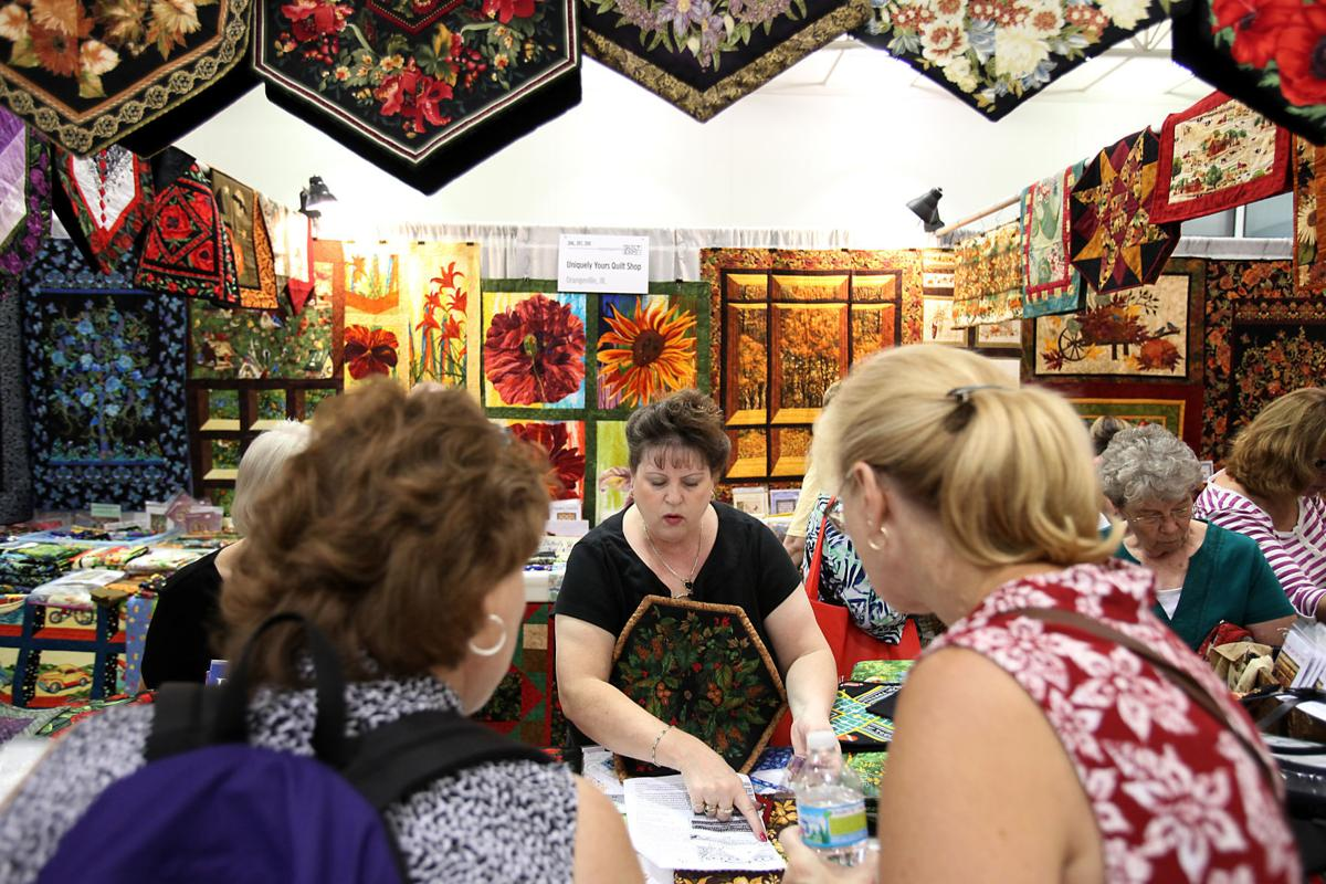 Exhibits and shopping top Quilt Expo