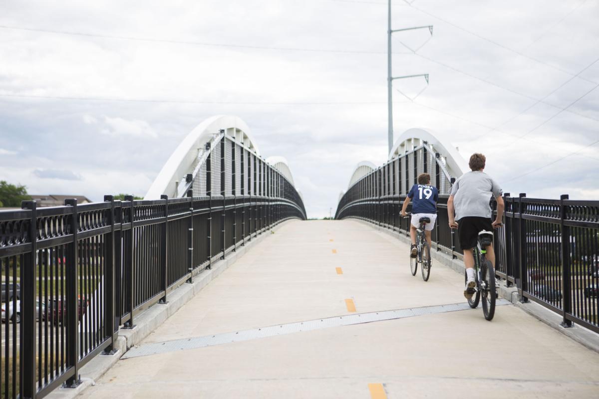Velo City Madison S Award Winning System Of Bike Lanes