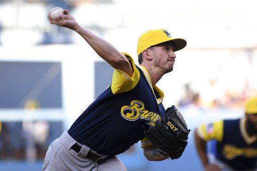 Zach Davies dominates Dodgers, AP photo