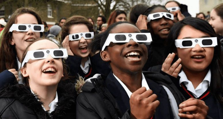 How to avoid buying bogus solar eclipse glasses class=