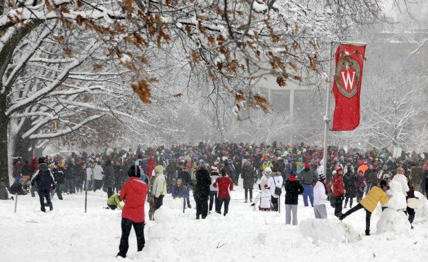 Uw Madison Students Make The Most Of Snow Day Reprieve