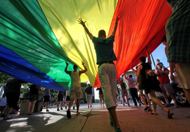 WSJ gay marriage rally 1-lede