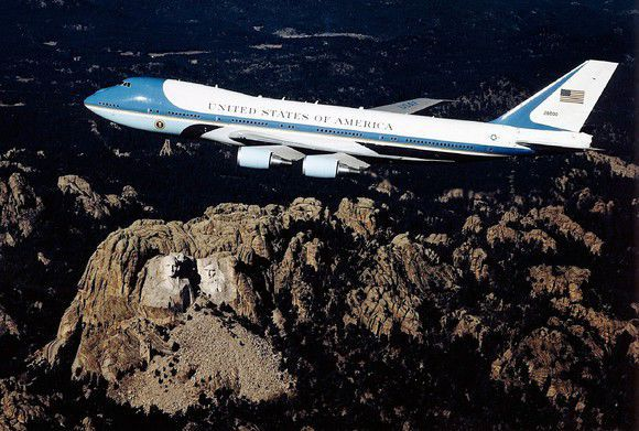 Pentagon may turn Russian airline's 747s to Air Force One