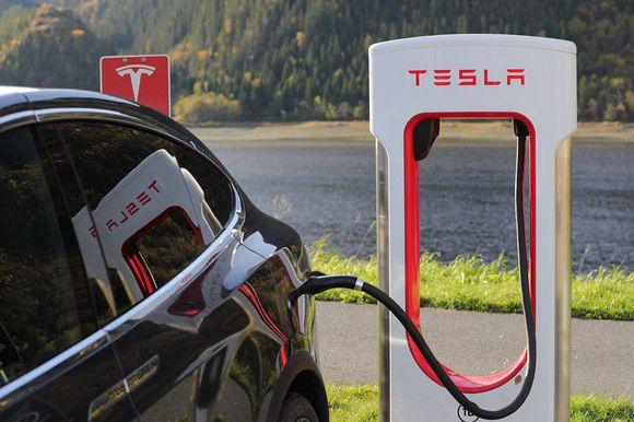 Why Tesla Inc. Will Never Be a Warren Buffett Stock