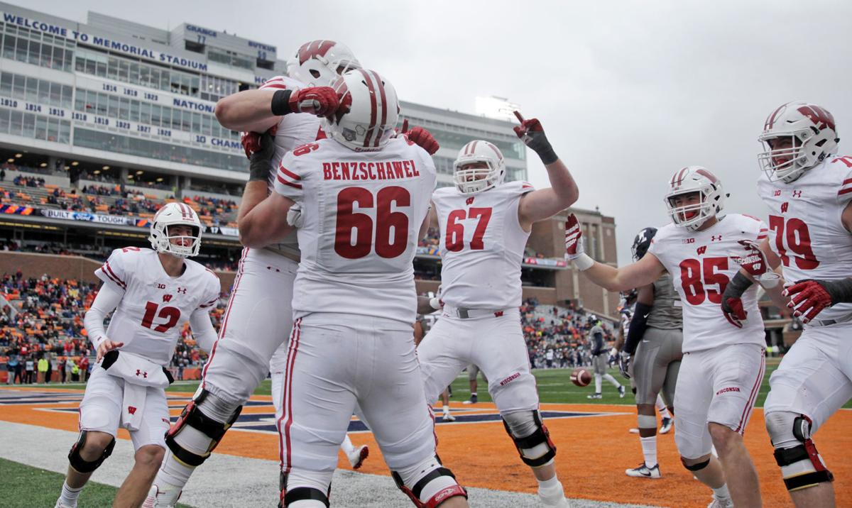 Michael Deiter scores TD, State Journal photo