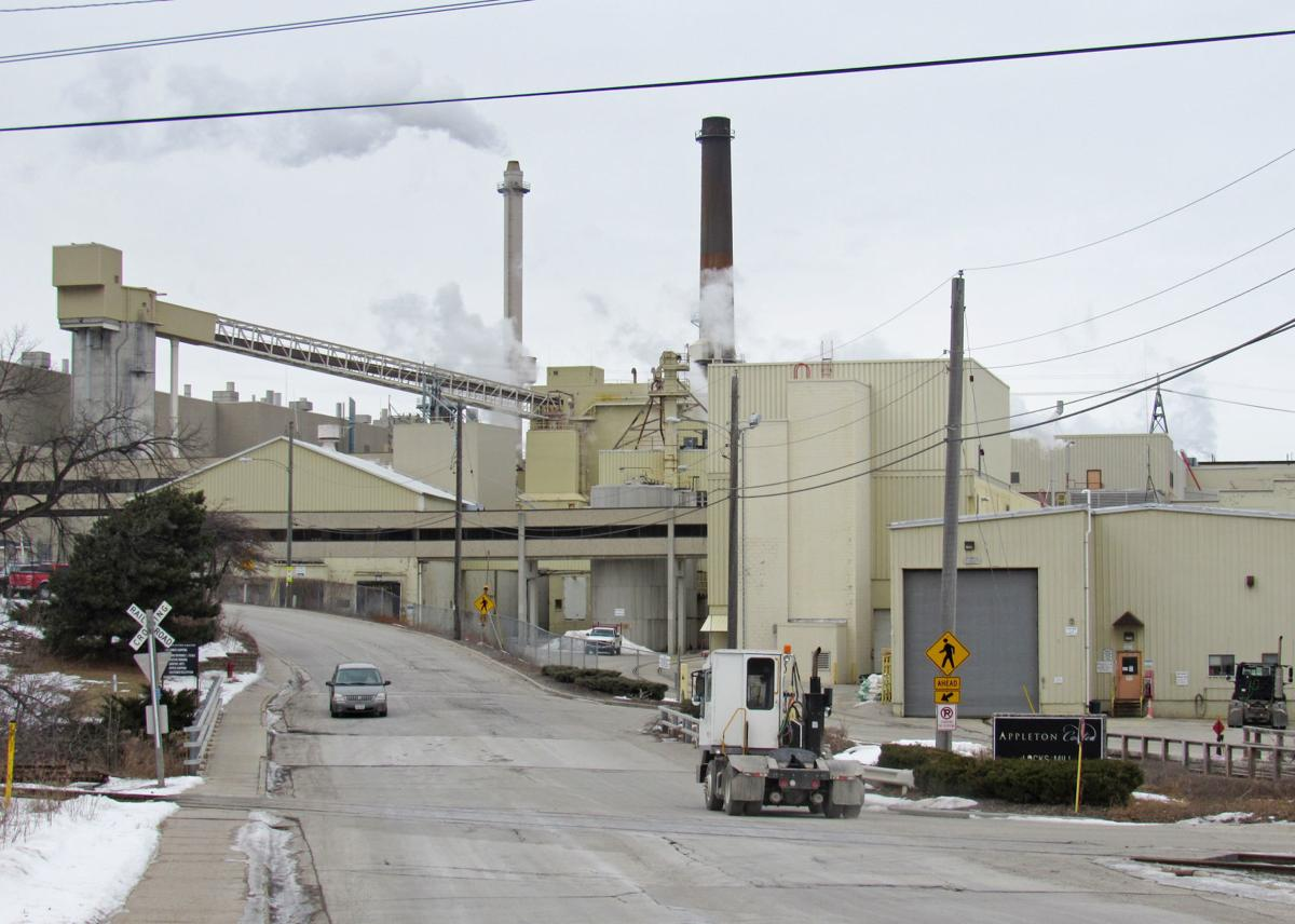 Fox River Valley paper industry evolves
