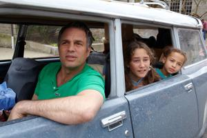 Movie review: 'Infinitely Polar Bear' is a warm and wonderful movie