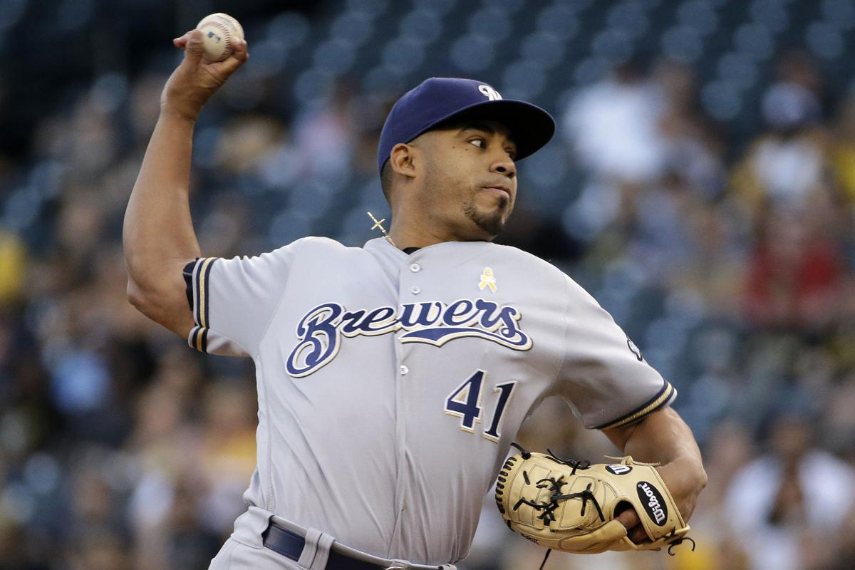 Junior Guerra pitches in 2016, AP photo