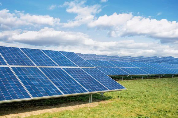 First Solar, Inc. (FSLR) Earns Outperform Rating from JMP Securities