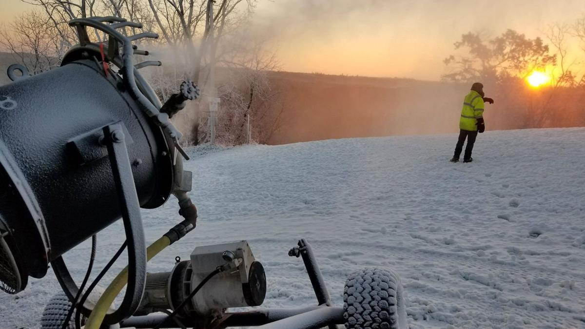 Ski season opens in Wisconsin