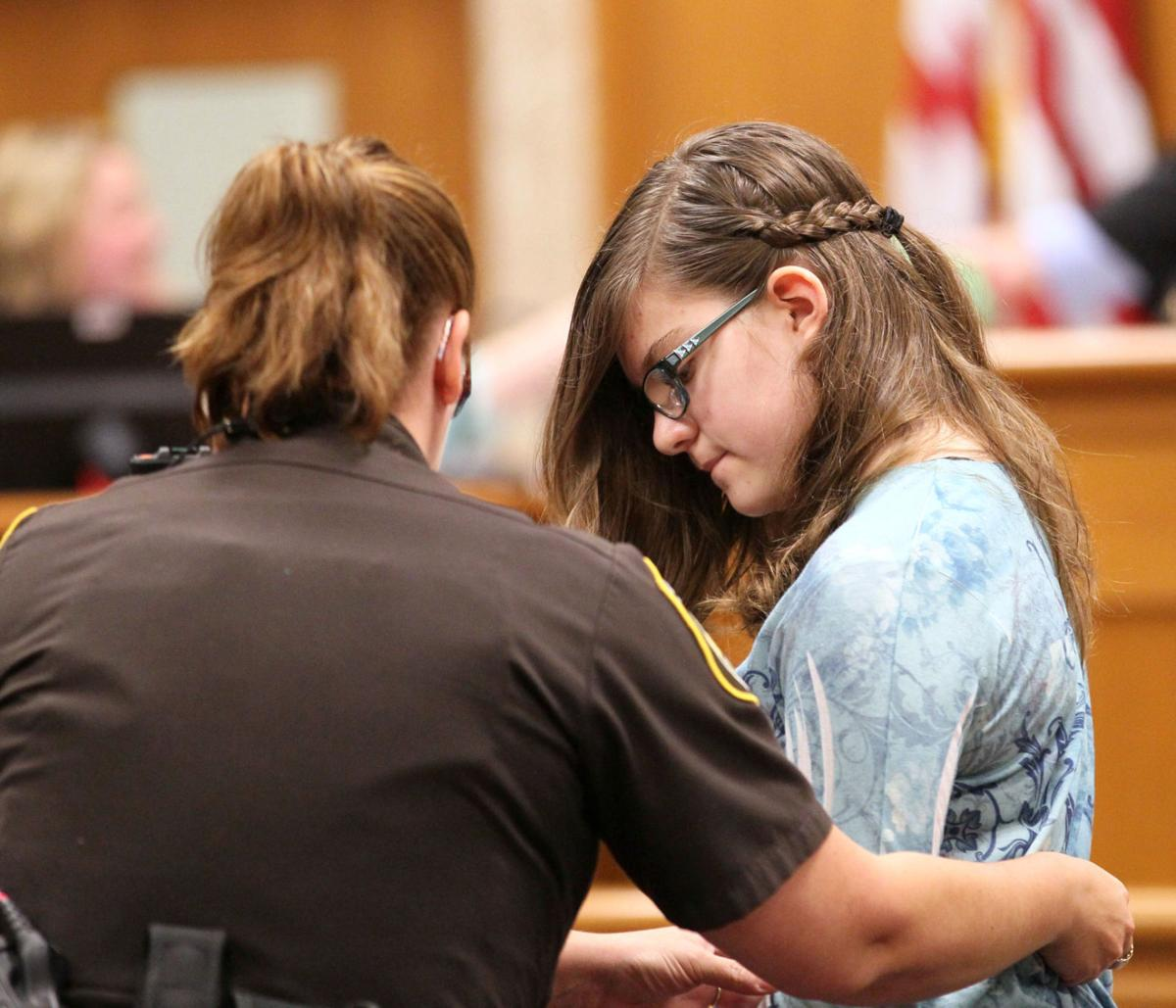Anissa Weier in court, Slender Man case, MJS photo