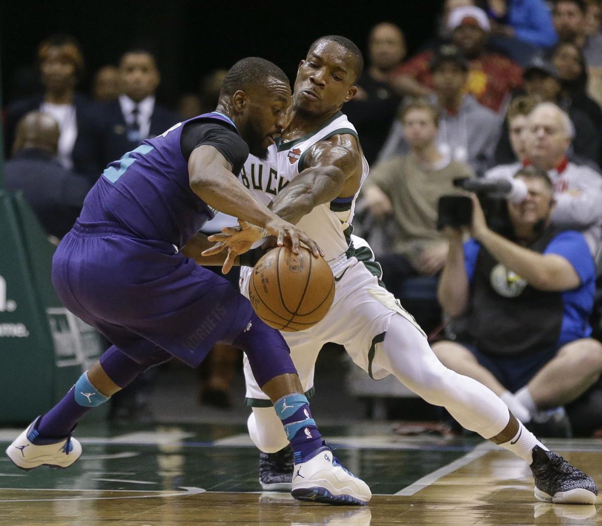 Hornets Bucks Basketball