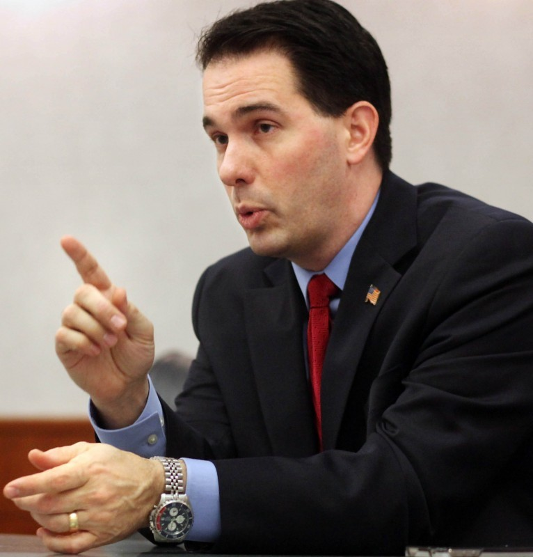 Scott Walker meets with State Journal editorial board
