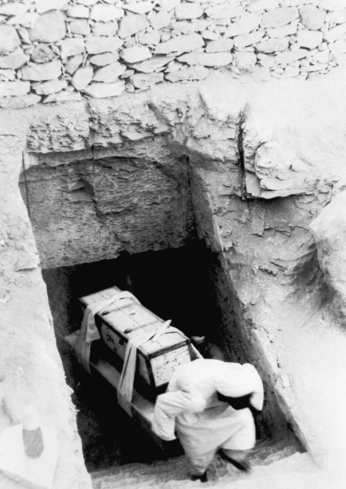 The Curse Of King Tuts Tomb Torrent: Today In History, Feb. 16: King Tut