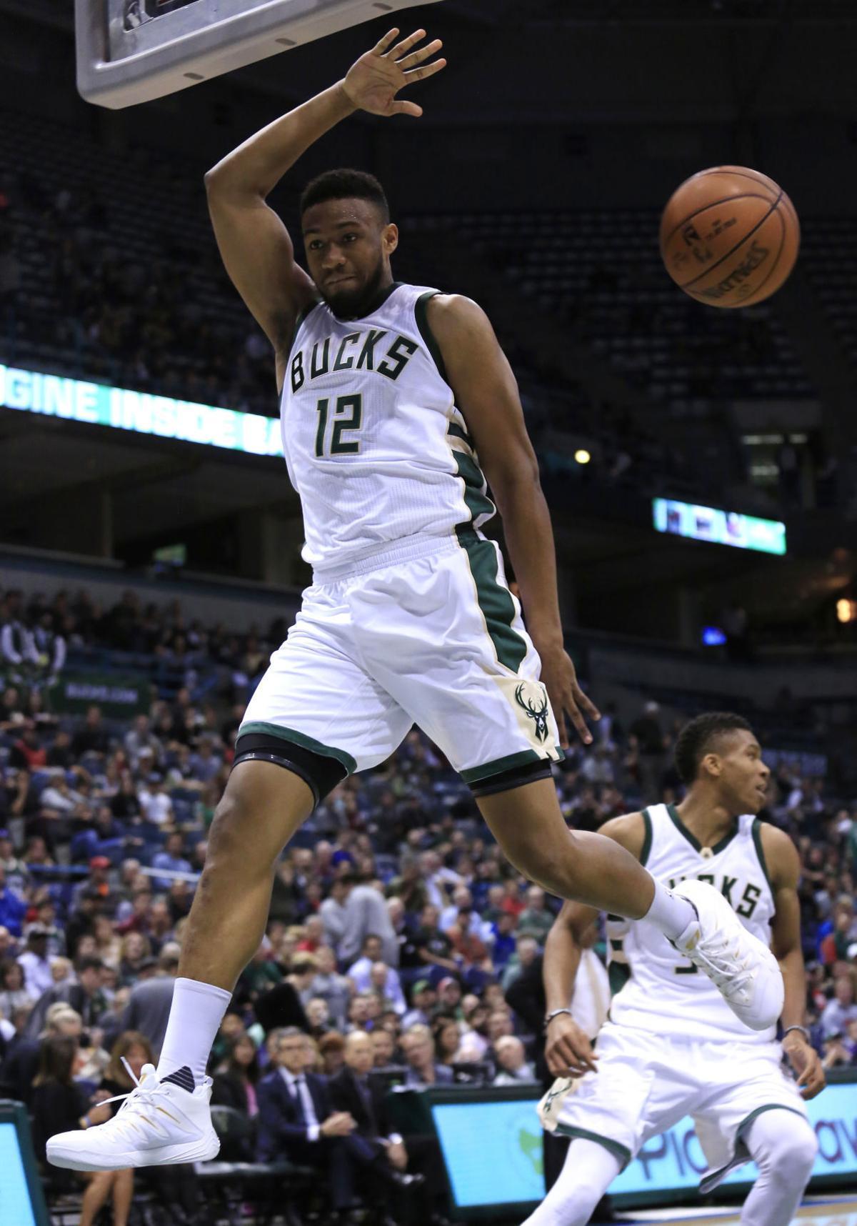 Bucks: Giannis Antetokounmpo, Jabari Parker spur win over ... Jabari Parker Shooting