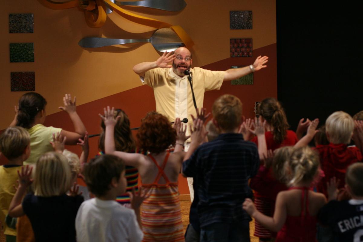 Children's entertainer David Landau